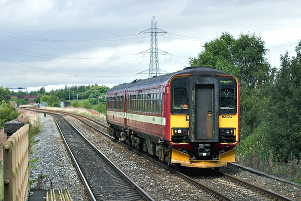 155342 Mills Hill 26/9/2005 2M30 1237 Leeds-Manchester Victoria