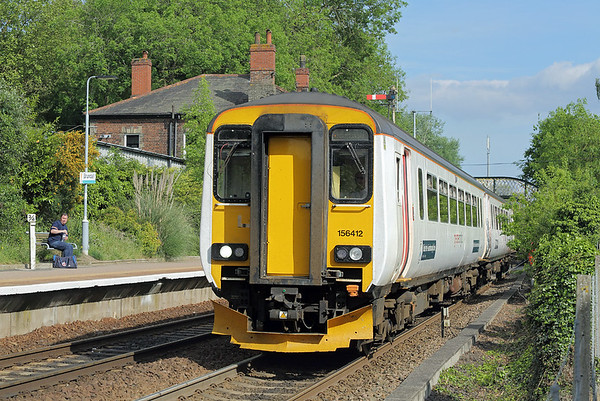 156412 Brundall 23/5/2017 2P27 1617 Great Yarmouth-Norwich