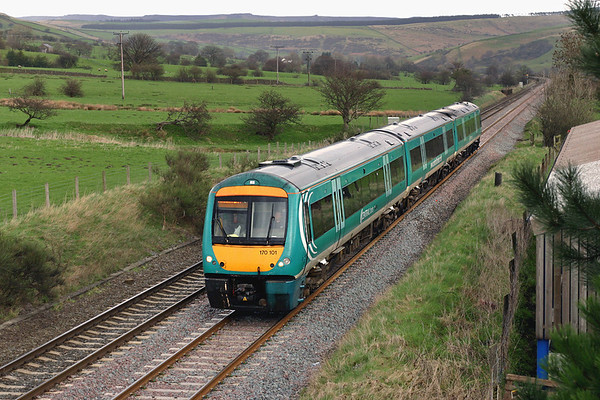 170101 Edale 5/4/2005 1M18 1057 Norwich-Liverpool Lime Street
