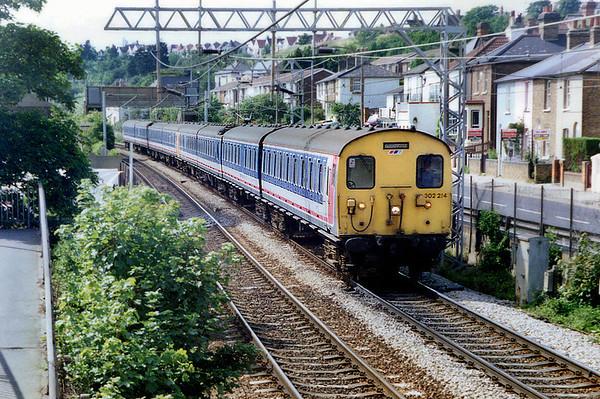 302214 and 308138, Leigh-on-Sea 12/6/1992