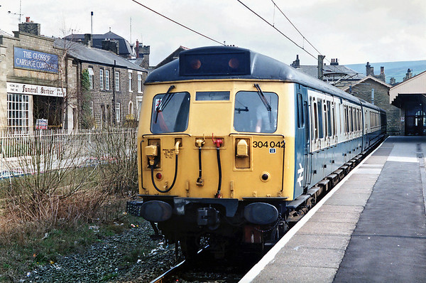 304042 Glossop 1/4/1992 1412 Hadfield-Manchester Piccadilly