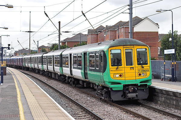 319003 and 319429, Cricklewood 29/8/2008 2V55 1144 Luton-Sutton
