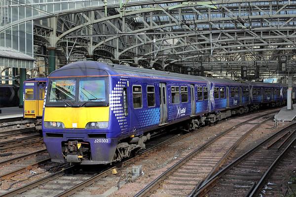 320303 Glasgow Central 18/9/2015 2B02 1120 Glasgow Central-Lanark