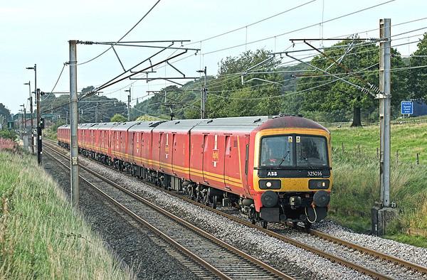 325016, 325009 and 325003, Woodacre 11/9/2009 1M44 1531 Shieldmuir-Warrington RMT