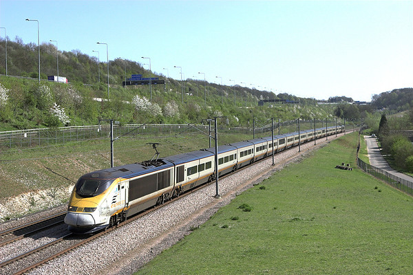 3001 and 3xxx, Upper Nashenden Farm 8/4/2011 9O35 1413 Paris Nord-London St Pancras International