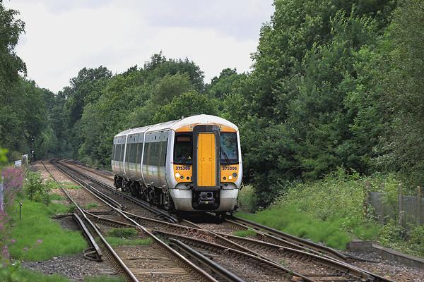 375306 Edenbridge 28/7/2005 2B15 1503 London Bridge-Tunbridge Wells