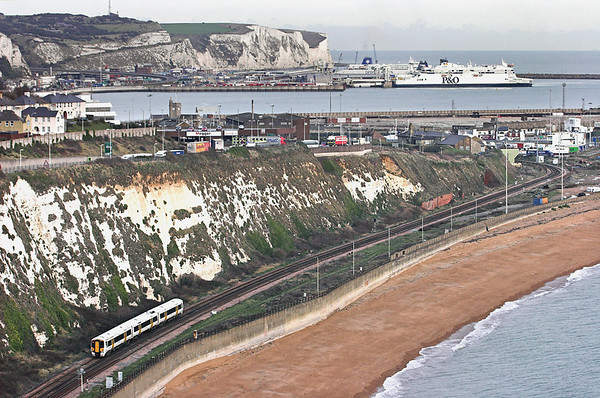 375305 Shakespeare Cliff 2/12/2011 2R34 1210 London Charing Cross-Dover Priory