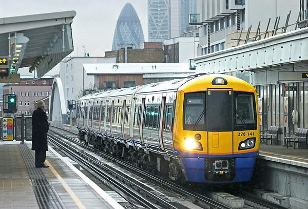 378141 Haggerston 25/1/2011 9D35 1352 West Croydon-Dalston Junction