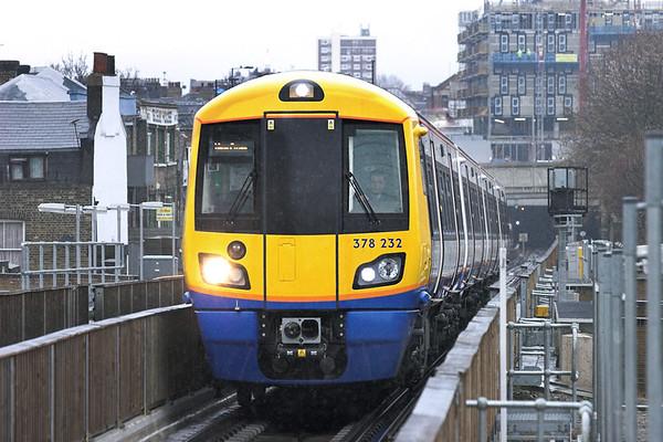 378232 Haggerston 25/1/2011 9E38 1435 Dalston Junction-New Cross