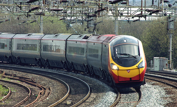 390007 Stafford 19/4/2005 1F14 1018 London Euston-Liverpool Lime street