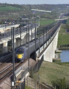 395005 and 395006, Medway Viaduct 8/4/2011 1J53 1653 Margate-London St Pancras International