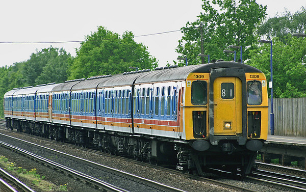 1309 and 1316, Hersham 15/5/2004