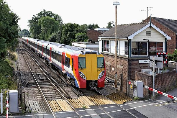 8018 and 8029, Wokingham 8/8/2013 2C23 0950 London Waterloo-Reading