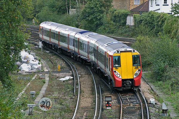 8009 Weybridge 18/10/2004
