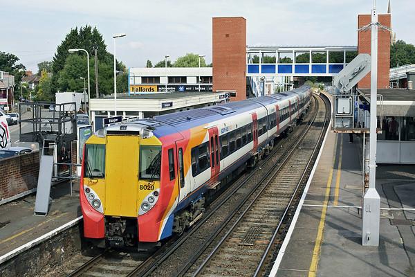 8029 and 8018, Wokingham 8/8/2013 2C23 0950 London Waterloo-Reading