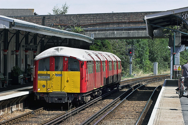 009 Ryde St Johns Road 25/7/2011 2U28 1138 Shanklin-Ryde Pier Head