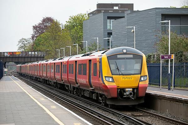 707022 and 707018, Barnes 28/4/2021 2U23 0958 London Waterloo-Windsor & Eton Riverside