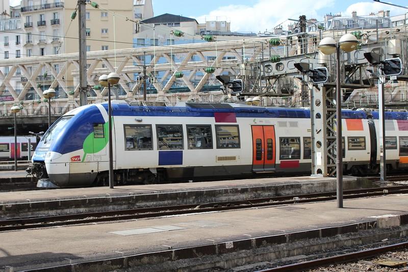 SNCF Transilien Class B 81500 Hybrid multiple unit No. 563N arriving at Paris Est