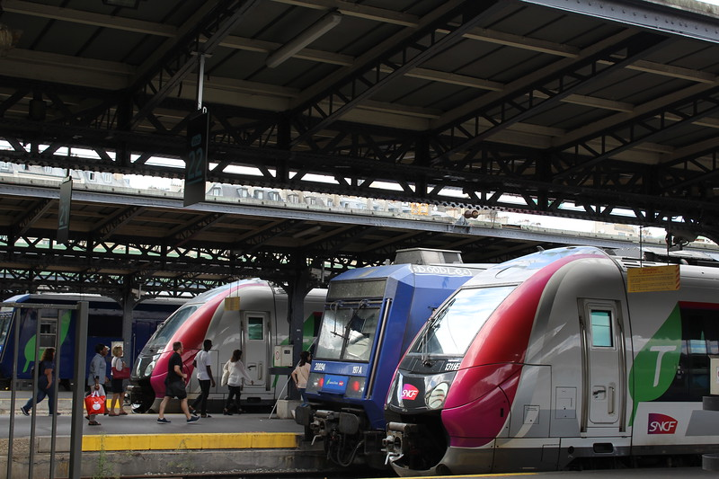 Paris Est: SNCF Transilien and TER services