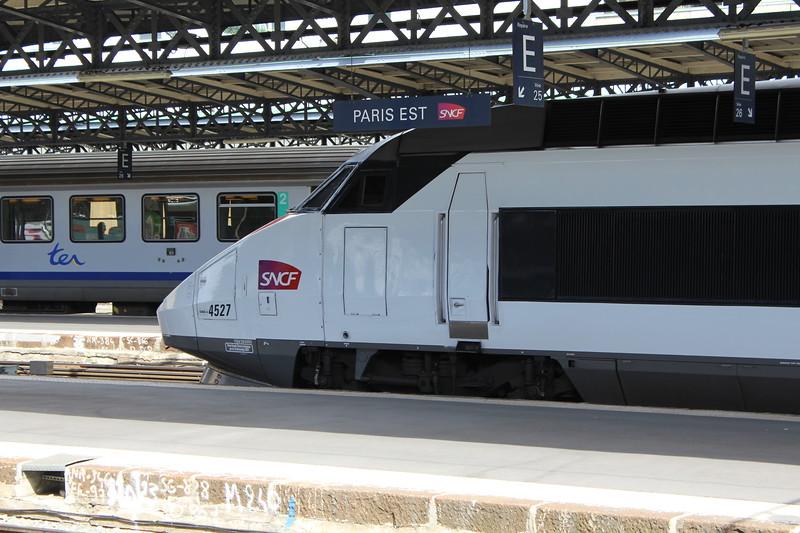 SNCF TGV Réseau high speed EMU No. 4527 / 380053 at Paris Est