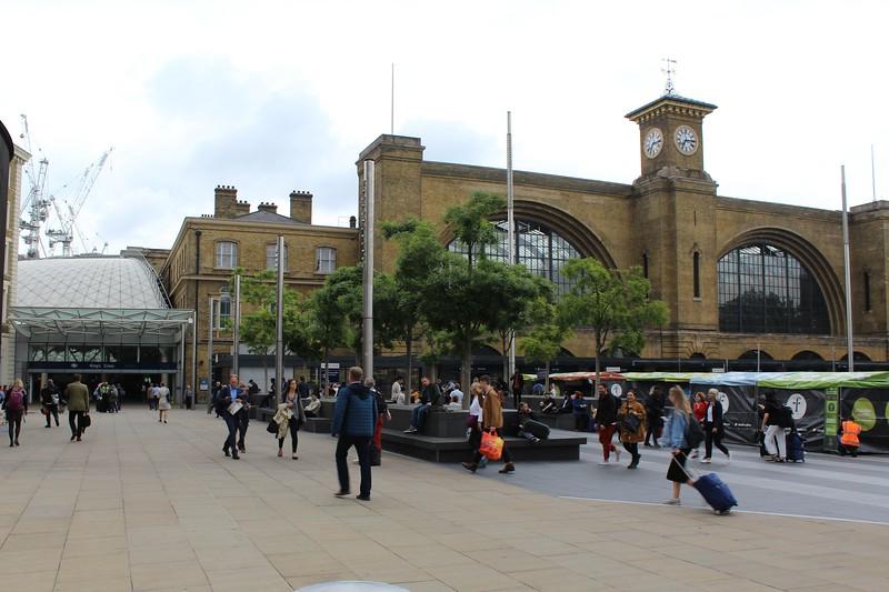 London King's Cross Station – Main frontage plaza