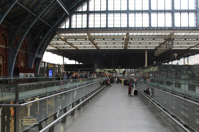 London St. Pancras Station – Midland Main Line and Eurostar Platforms