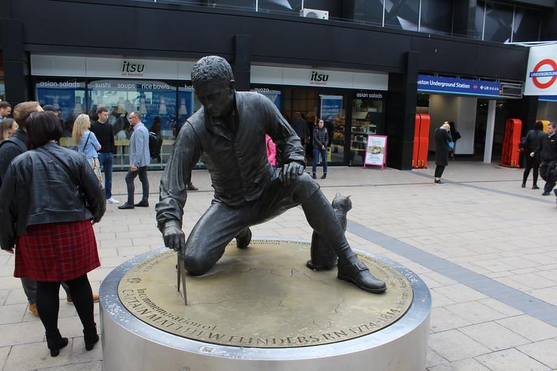 London Euston Station – Captain Matthew Flinders statue