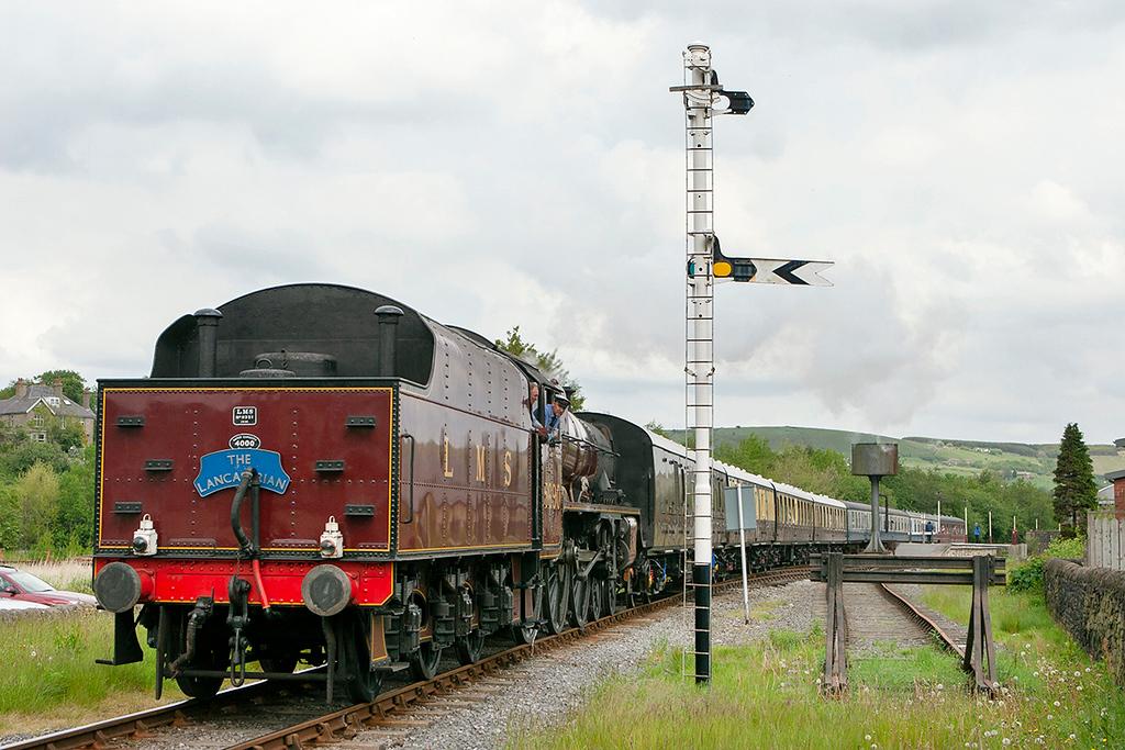 5690 'Leander', Rawtenstall 20/5/2007<br /> 1400 Rawtenstall-Heywood