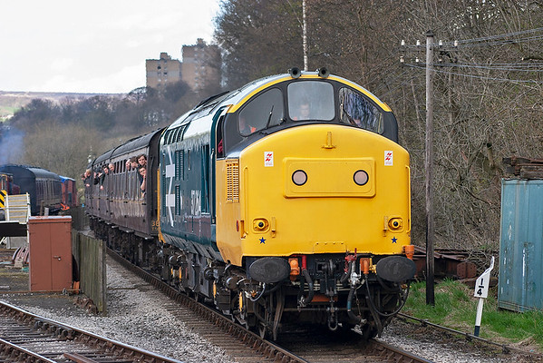 37264 Ingrow West 27/4/2013 1655 Keighley-Oxenhope