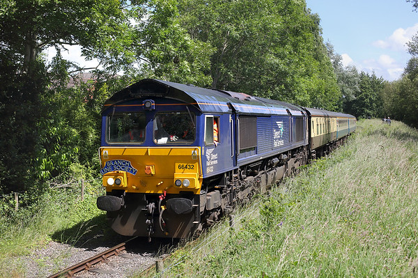 66432 Preston Docks 15/6/2017 1Z49 1235 Ormskirk-Liverpool Lime Street