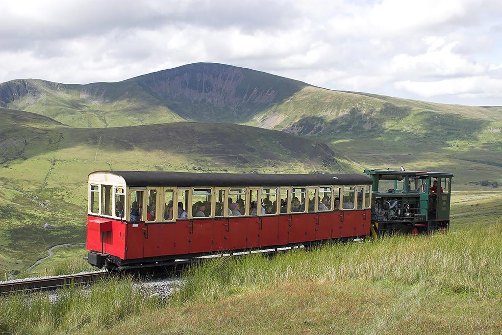 10 'Yeti', Halfway 8/8/2012<br /> 1200 Llanberis-Snowdon Summit