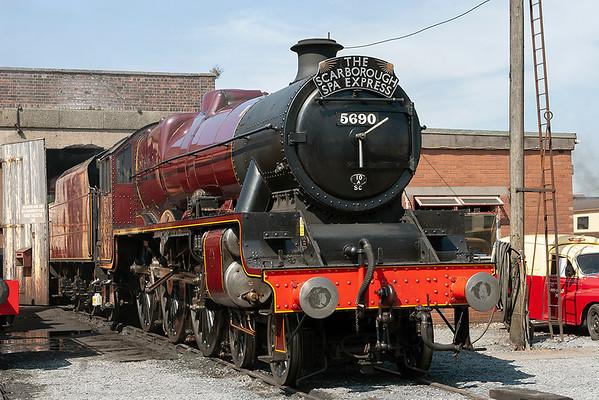 5690 'Leander', Carnforth 27/7/2008