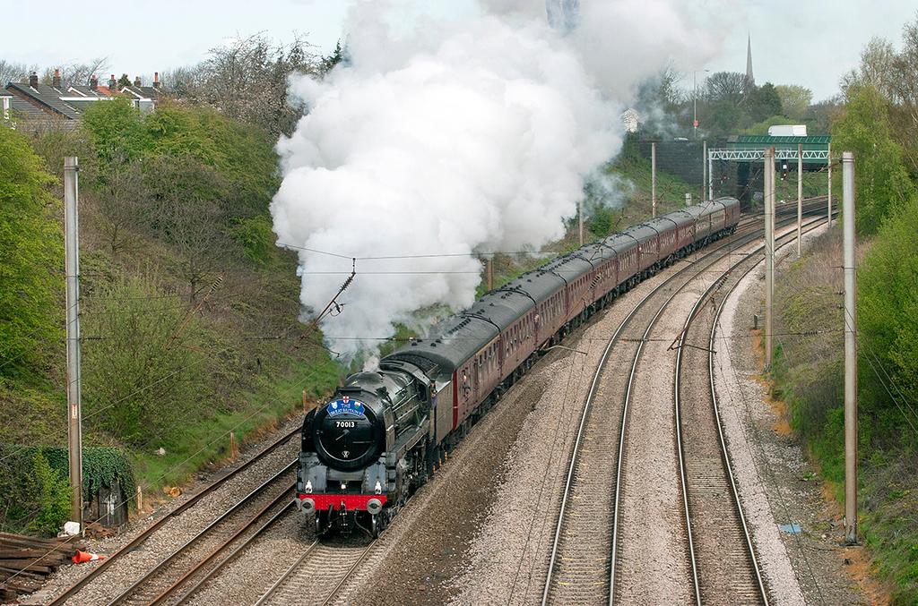 70013 'Oliver Cromwell', Penwortham 27/4/2012<br /> 1Z59 1056 Preston-Bristol Temple Meads