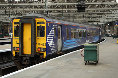 156432 at P2 of Glasgow Central waiting to work a service to East Kilbride