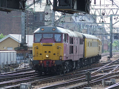 """31601 Gauge """"0"""" Guild 1956-2006 with the Network Rail Test Train on approach to Glasgow Central"""