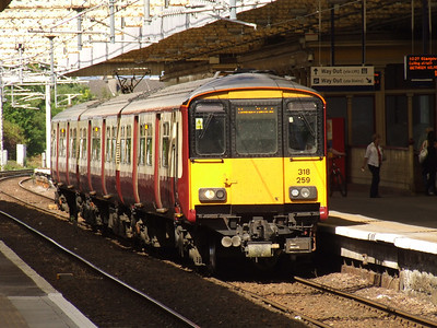 318259 at P1 with a Glasgow Central service