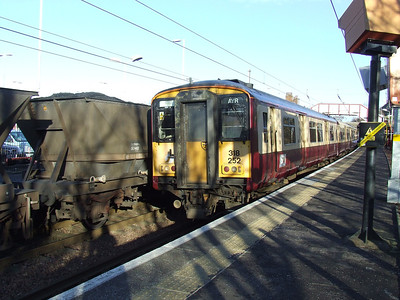 318252 at Johnstone on an Ayr service