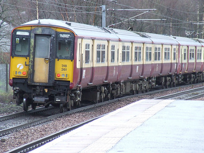 318261 departing Johnstone at the rear of an Ayr service