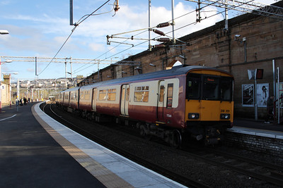 318251 at Greenock Central on a service to Gourock