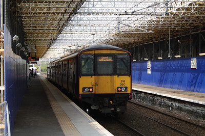 318260 at Paisley Gilmour Street on a working to Gourock