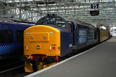 37261 at Glasgow Central, being used with the Network Rail overhead line test train Mentor