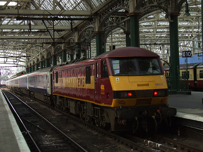 90029 The Institution of Civil Engineers at P9 with the terminated Caledonian Sleeper