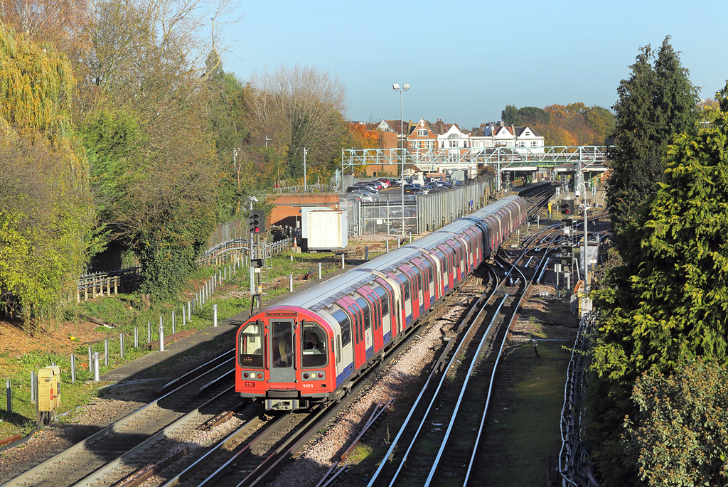 Central Line 91175, Woodford 17/11/2017