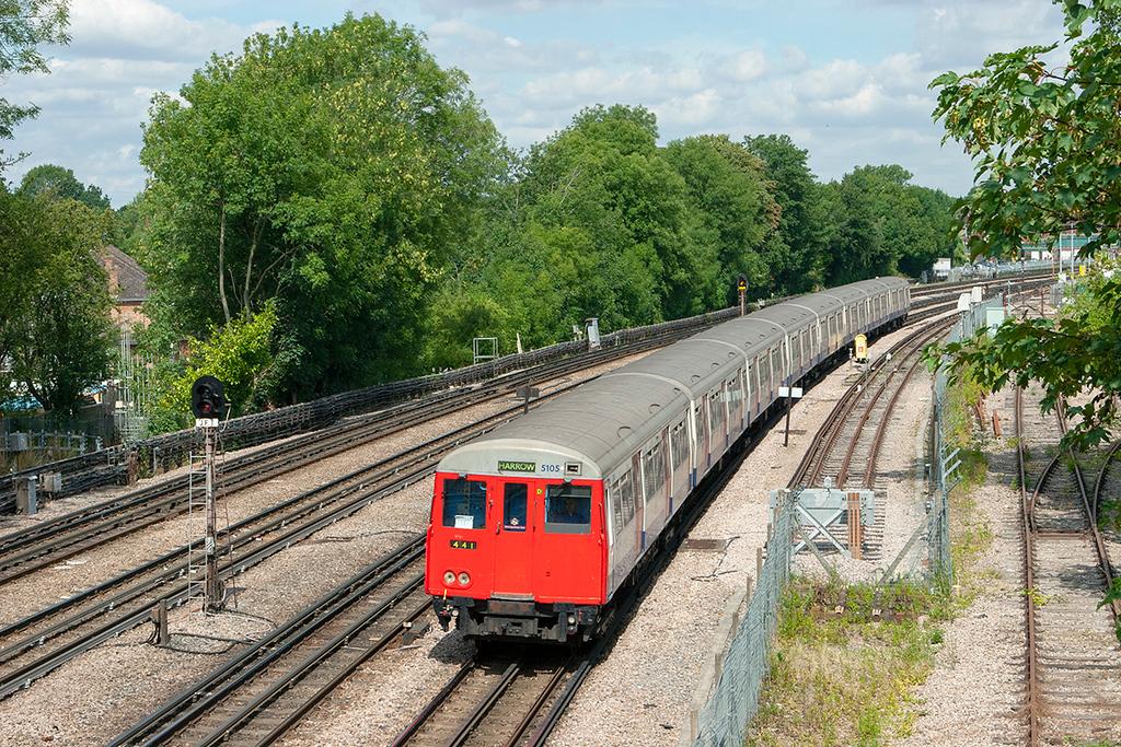 Metropolitan Line 5105, Northwood 24/7/2010