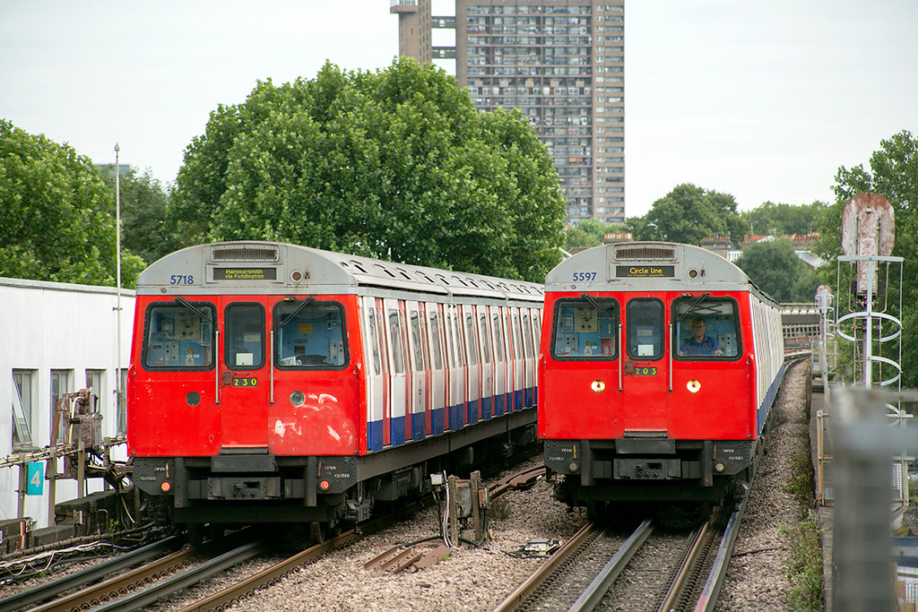 Circle Line 5597 and Hammersmith & City Line 5718, Latimer Road 10/8/2013