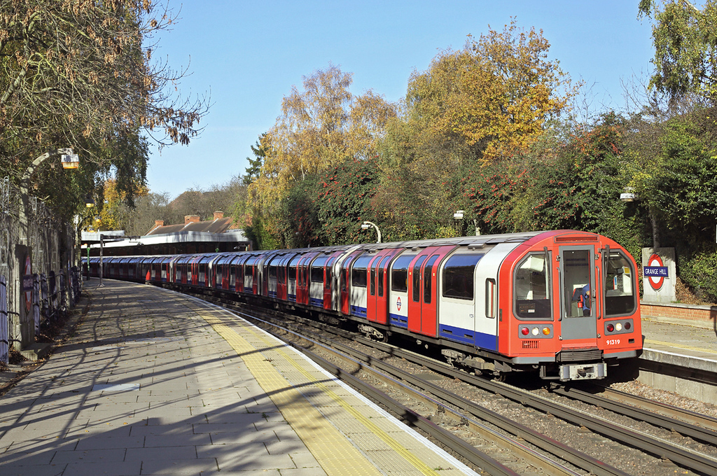 Central Line 91319, Grange Hill 17/11/2017