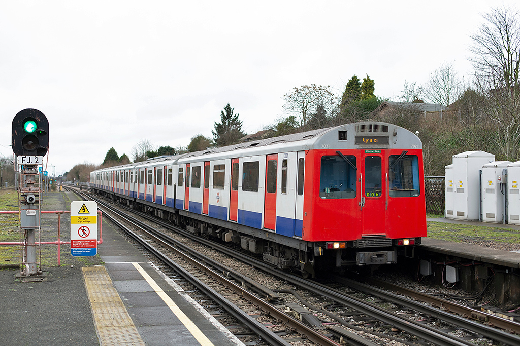 District Line 7021, Hornchurch 15/1/2014