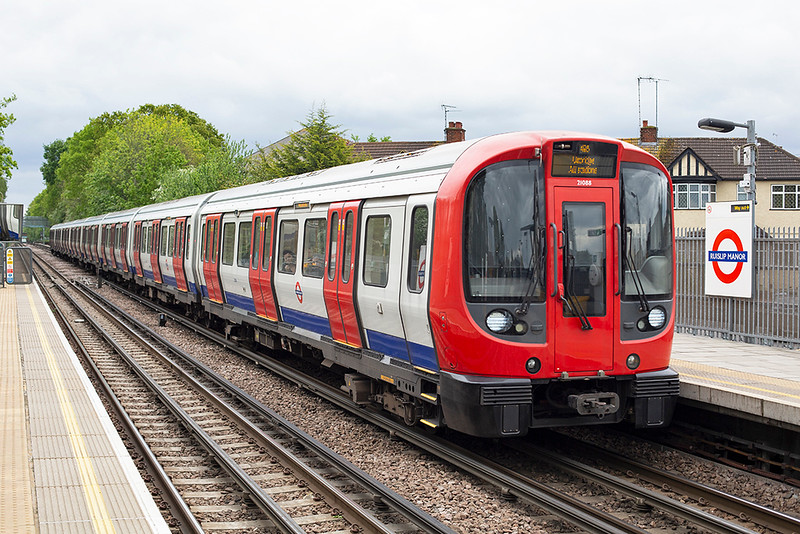 Metropolitan Line 21088, Ruislip Manor 2/5/2014