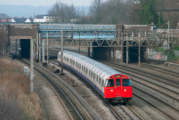 Bakerloo Line 3248, Kenton 1/12/2009