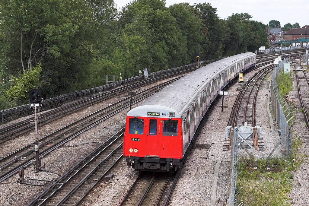 Metropolitan Line 5061, Northwood 24/7/2010